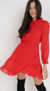 Czerwona sukienka born2be z okrągłym dekoltem mini w stylu casual