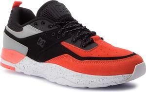 Buty sportowe DC Shoes sznurowane w sportowym stylu
