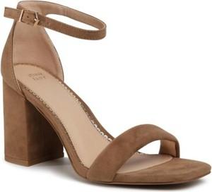 Brązowe sandały Jenny Fairy z klamrami
