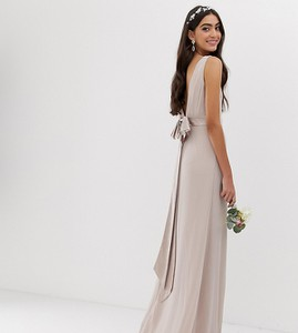 Różowa sukienka Tfnc Tall maxi z satyny
