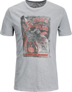 T-shirt Jack & Jones w młodzieżowym stylu z tkaniny