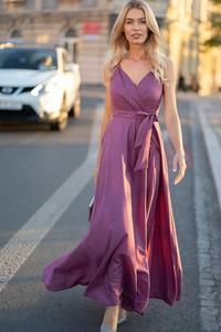 Fioletowa sukienka Maravilla Boutique kopertowa na ramiączkach maxi