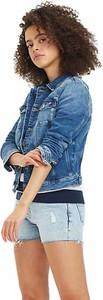 Niebieska kurtka Tommy Jeans krótka w stylu casual z jeansu