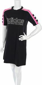 Czarna sukienka Adidas w sportowym stylu mini z krótkim rękawem
