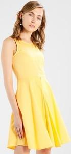 Żółta sukienka Mint&berry bez rękawów