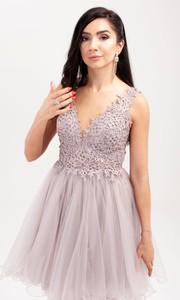 Sukienka Butik Ecru mini z dekoltem w kształcie litery v z szyfonu