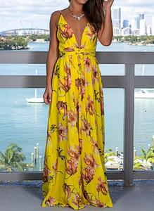 Żółta sukienka Sandbella trapezowa z dekoltem w kształcie litery v w stylu casual