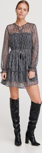 Czarna sukienka Reserved mini z długim rękawem