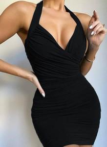 Czarna sukienka Cikelly dopasowana na ramiączkach z dekoltem w kształcie litery v