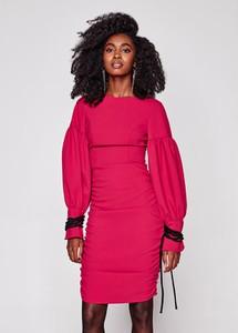 Różowa sukienka Rage Age dopasowana