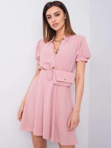 Różowa sukienka Promese z krótkim rękawem z dekoltem w kształcie litery v w stylu casual