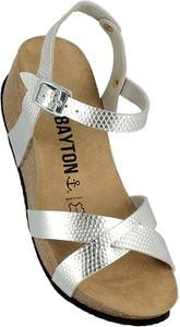 Sandały Bayton z klamrami