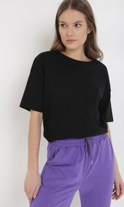 T-shirt born2be z okrągłym dekoltem w stylu casual z krótkim rękawem