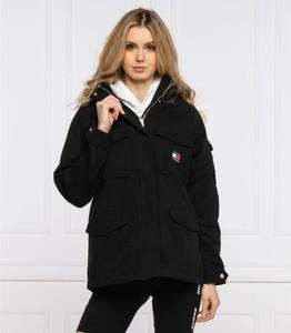 Czarna kurtka Tommy Jeans krótka w stylu casual