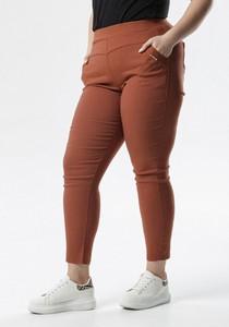 Brązowe jeansy born2be
