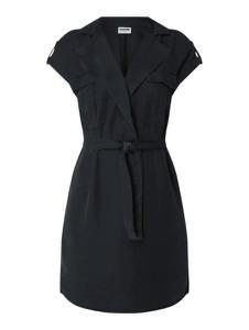 Czarna sukienka Noisy May z dekoltem w kształcie litery v