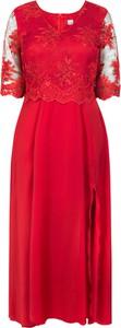 Sukienka Grandio dla puszystych z długim rękawem z tkaniny