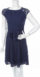Granatowa sukienka Billie & Blossom rozkloszowana mini