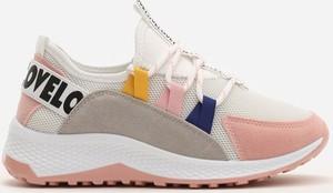 Buty sportowe Multu w sportowym stylu