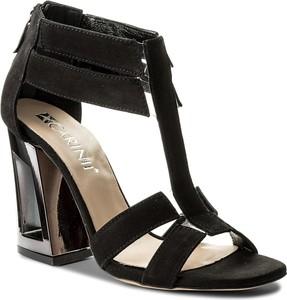 Sandały Carinii w stylu klasycznym z nubuku na wysokim obcasie