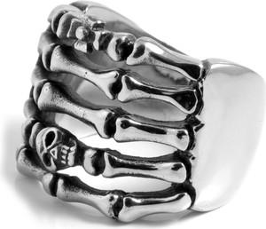 Steelcz Stalowy pierścień z czaszką i kośćmi