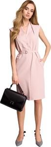 Różowa sukienka Style szmizjerka midi z dekoltem w kształcie litery v