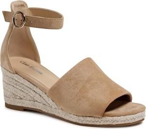 Brązowe sandały Clara Barson z klamrami