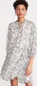 Sukienka Reserved w stylu casual oversize z długim rękawem