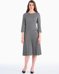 Czarna sukienka POTIS & VERSO z tkaniny midi z długim rękawem