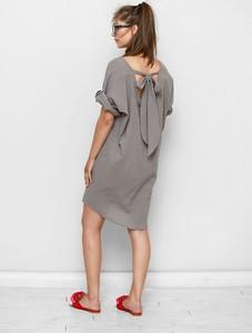 Sukienka Freeshion z tkaniny midi z okrągłym dekoltem