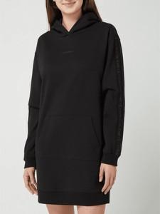 Czarna sukienka Calvin Klein w stylu casual z dekoltem w kształcie litery v mini