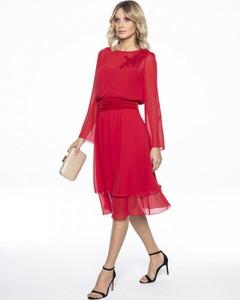 Czerwona sukienka L'AF z okrągłym dekoltem z tkaniny oversize