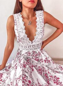 Sukienka Cikelly bez rękawów mini z dekoltem w kształcie litery v