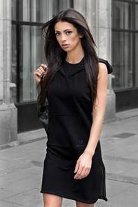 Czarna sukienka UNICUT z okrągłym dekoltem
