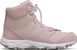 Różowe trapery damskie New Balance z płaską podeszwą