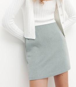Turkusowa spódnica Reserved z tkaniny