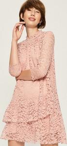 Różowa sukienka Sinsay w stylu vintage z długim rękawem trapezowa