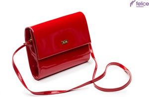 Czerwona torebka Felice w stylu glamour na ramię