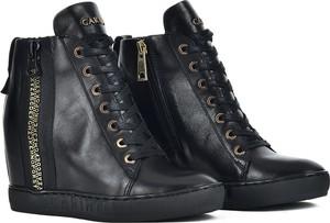Czarne buty sportowe Carinii ze skóry