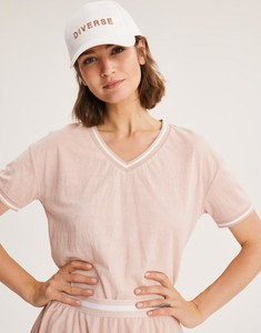 Różowy t-shirt Diverse z krótkim rękawem