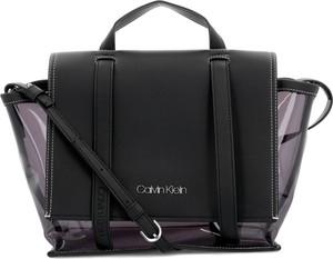 Czarna torebka Calvin Klein średnia