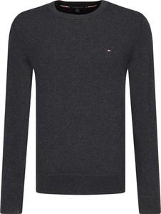 Granatowy sweter Tommy Hilfiger z kaszmiru