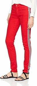Czerwone jeansy amazon.de