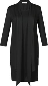 Czarna sukienka Fokus z dzianiny z okrągłym dekoltem