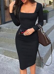 Czarna sukienka Sandbella