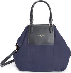 Niebieska torebka Patrizia Pepe z nadrukiem do ręki ze skóry ekologicznej