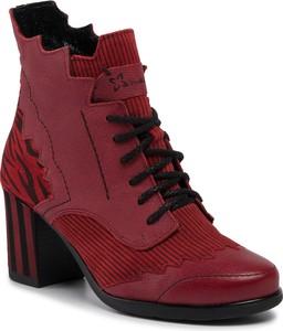 Czerwone botki Maciejka sznurowane na obcasie w stylu casual