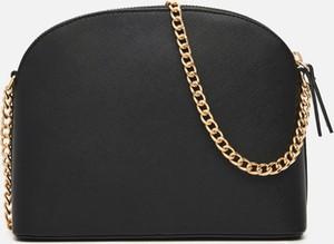 Czarna torebka Cropp na ramię mała
