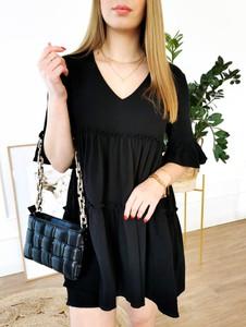 Sukienka Perfe.pl z dekoltem w kształcie litery v mini oversize