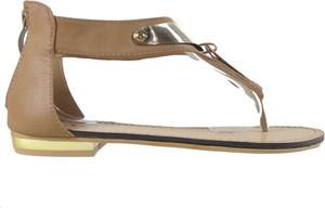 Brązowe sandały Kokietki z klamrami w stylu casual